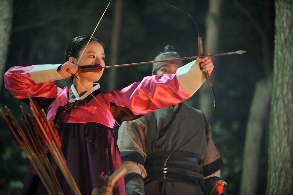 War-of-the-Arrows-Moon-Chae-Won.jpg