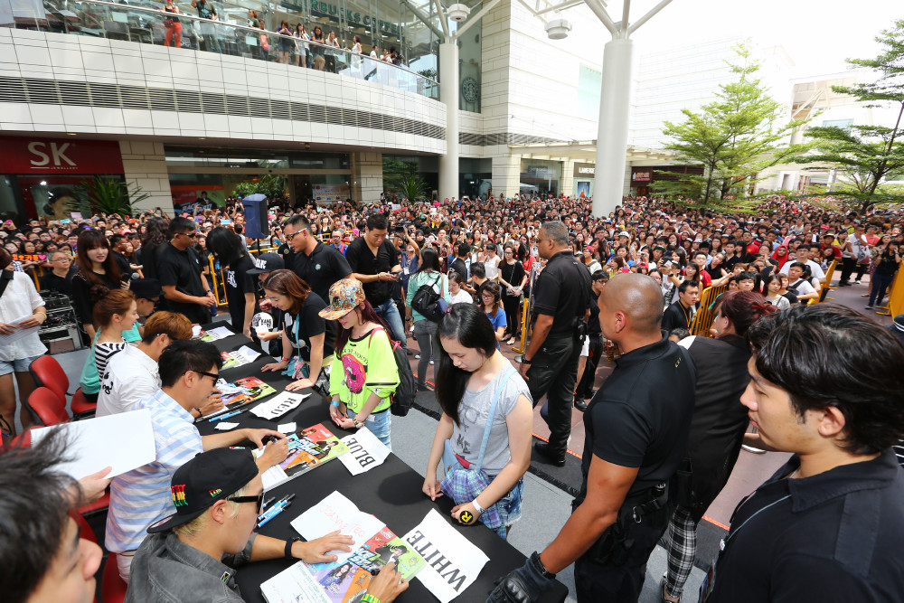 Running Man, Autograph session 2, 191013 (ONE)